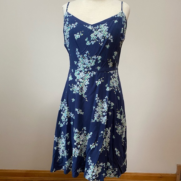 Old Navy Dresses & Skirts - Old Navy XXL navy blue floral dress